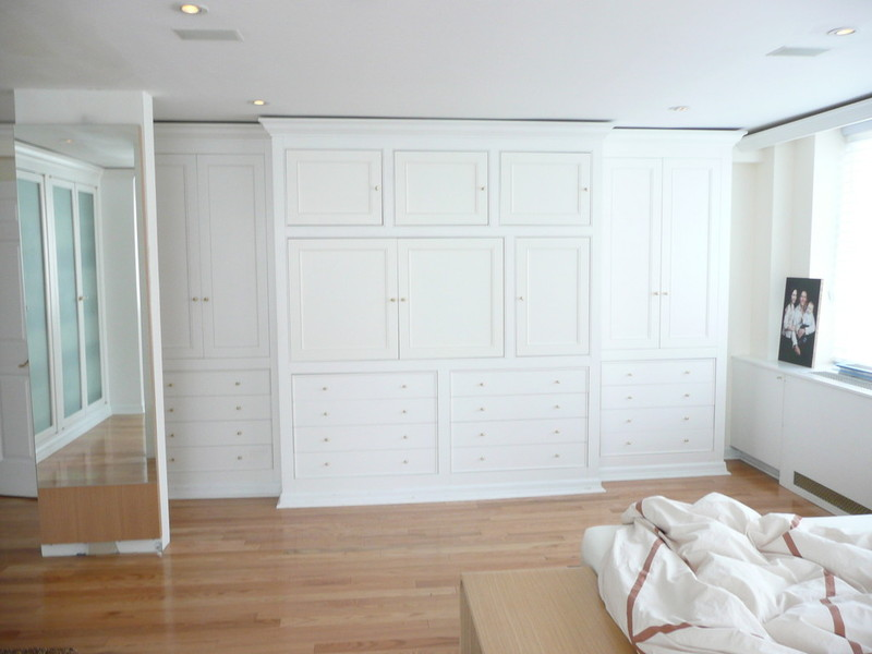 NYC Custom Built Bedroom Walk-In & Reach-In Closets, Wardrobes ...
